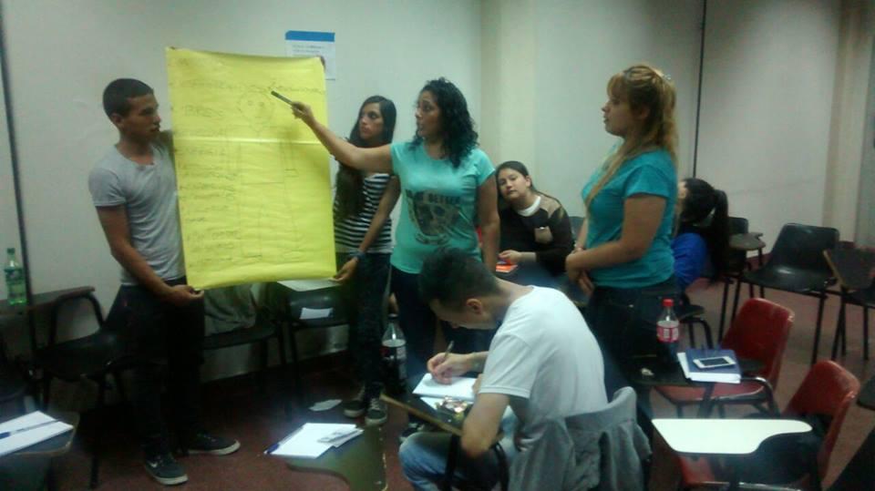 Accesibilidad educativa de los jóvenes con NBI. La universidad hacia las prácticas sociales educativas